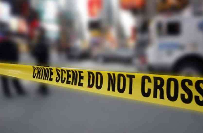 घर में  दम्पति  का शव मिलने से हड़कंप, पुलिस जांच में जुटी