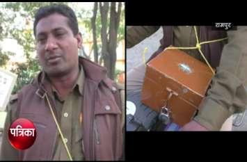 VIDEO: पुलवामा हमले के बाद यूपी पुलिस में तैनात फिरोज खान ने अकेले ही शुरू की मुहिम, अधिकारी भी रह गए हैरान