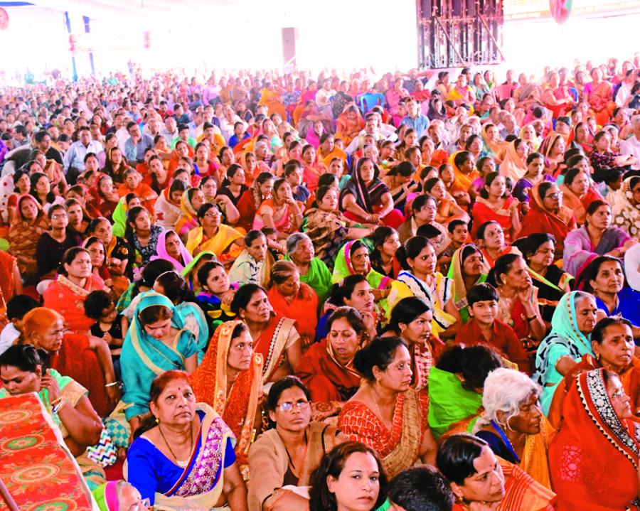 भक्ति रस के उत्सव में इंद्र-इंद्राणी और हजारों श्रावक हुए भाव विभोर