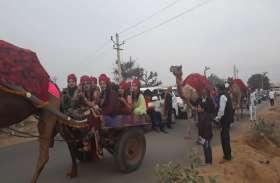 राजस्थान में यहां इंजीनियर दूल्हे की बारात का दिखा अनोखा नजारा, जब ऊंटगाड़ियों में निकली बारात तो देखता रह गया हर कोई