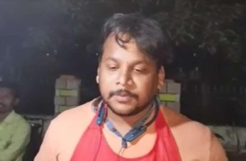 VIDEO- यह दुकानदार 'पाकिस्तान मुर्दाबाद' बोलने पर देता है 10 रुपए की छूट, देखें..