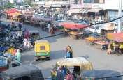 बिगाड़ रखी शहर की यातायात व्यवस्था,  पुलिस और प्रशासन अतिक्रमियों के आगे नतमस्तक