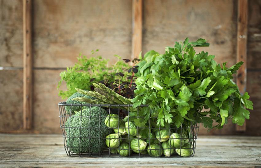हरी सब्जियां, दाल खाने से बढ़ते ब्लड प्रेशर से मिलती है राहत