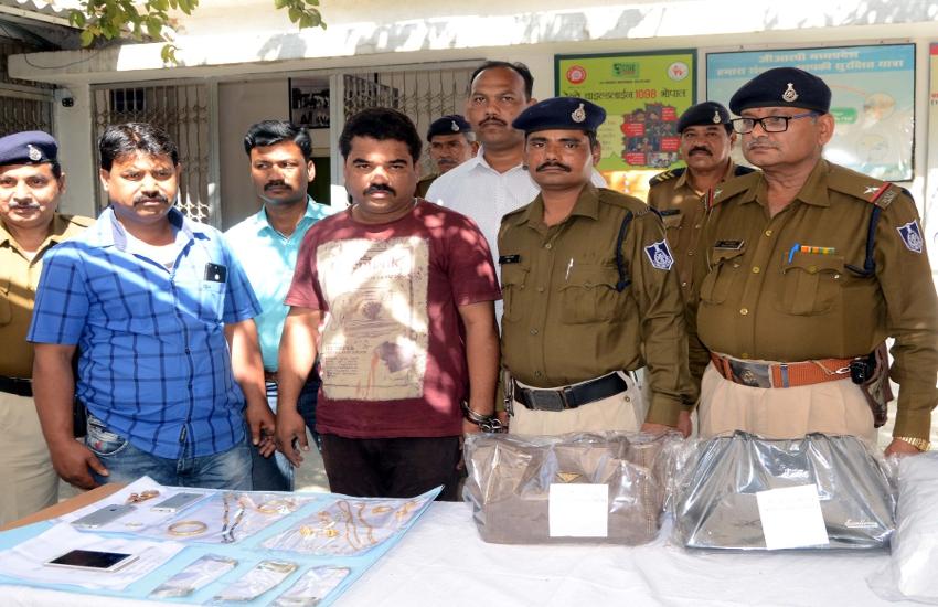 गुजरात में जहरीली शराब से 23 लोगों की मौत का आरोपी निकला चोर, फरार होकर भाग आया इंदौर