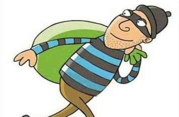 ठेकेदार के साथ काम करने वाले मजदूरों ने ही 40 बोरी सीमेंट कर ली चोरी, ऐसे पकड़ाए आरोपी