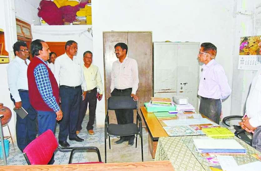 आयुक्त सतीश कुमार एस. का नया रूप: ज्वाइन करने के बाद विभागों में पहुंचे अचानक, समझी निगम की कार्यशैली