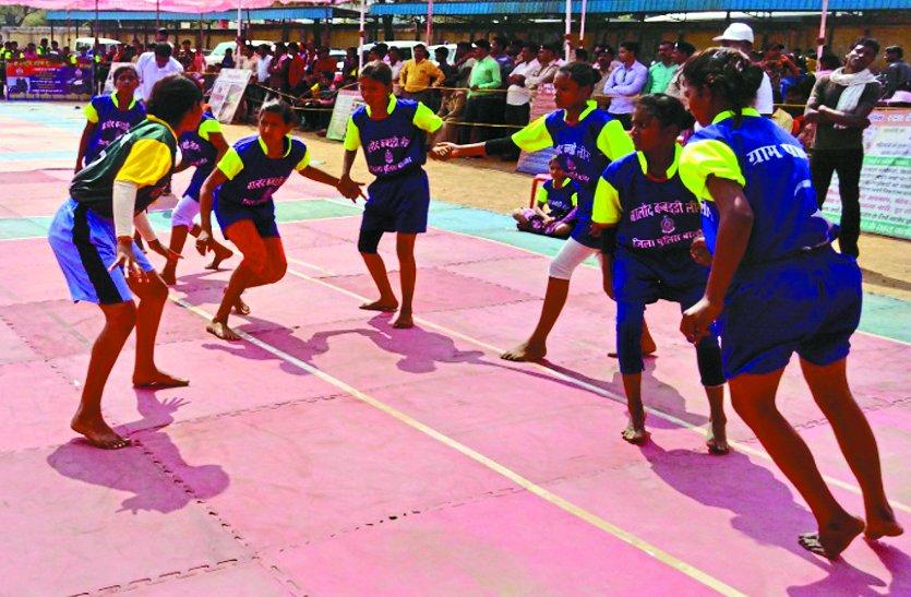 पुलिस और जनता के बीच नजदीकियां बढ़ाने जिला स्तरीय पुलिस लीग कबड्डी में 34 टीम शामिल