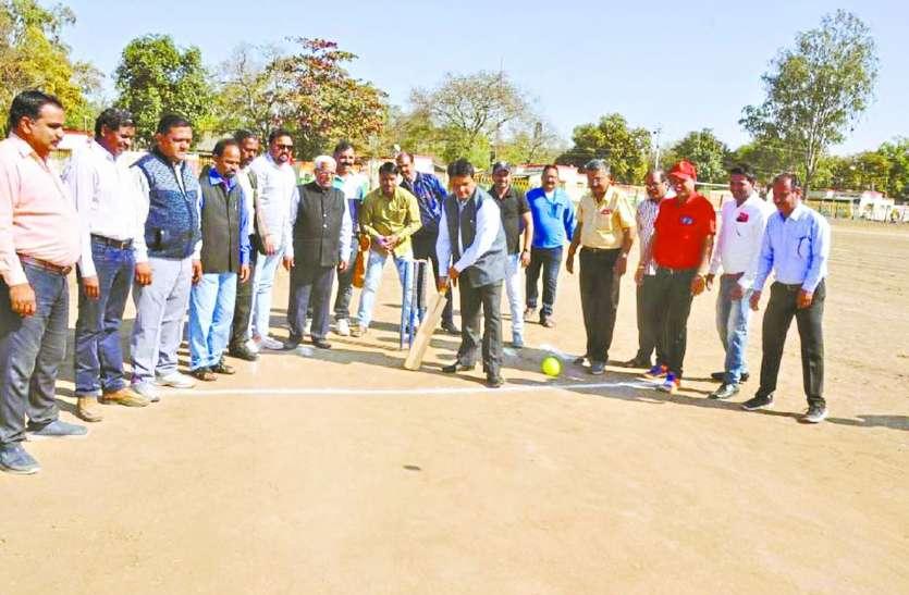 रेलवे में क्रिकेट का जोश: देखे पहले दिन किस तरह से जीता कार्मिक विभाग जीता