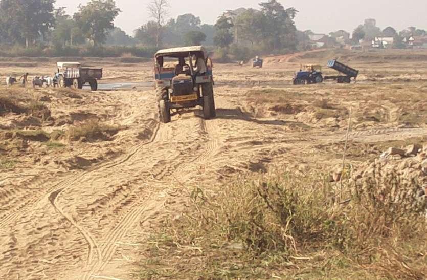 रेत ढोने वाले वाहनों को खनिज विभाग में कराना होगा पंजीयन