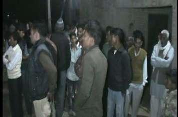 हथियारों से लैस दबंगो ने फिल्मी अंदाज में घर मे घुसकर किया तांडव, गांव में दहशत का माहौल