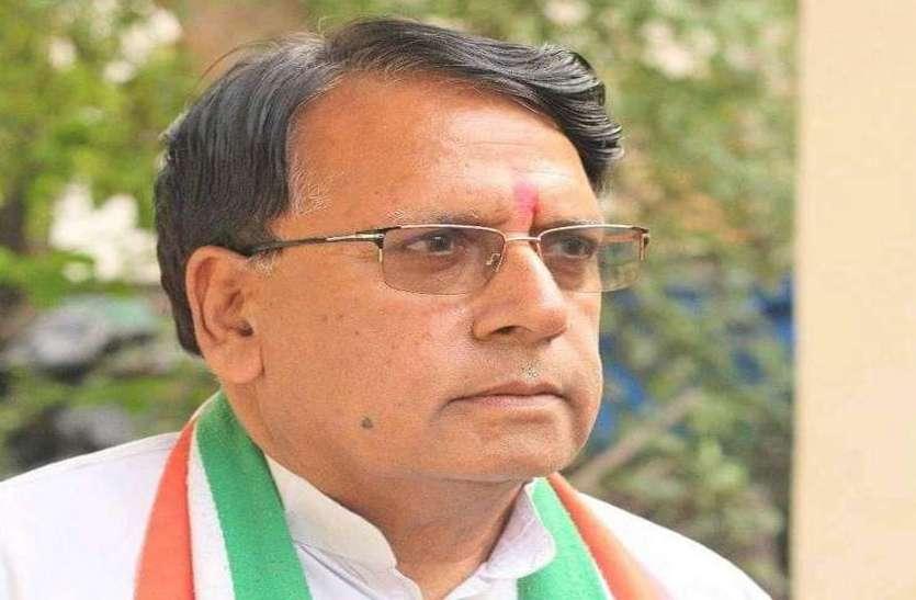 बूथ जिताओ, नौकरी पाओ नारे पर मंत्री पीसी शर्मा को नोटिस, आज पेश करेंगे जवाब