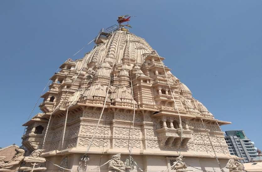महाशिवरात्रि पर बाबुलनाथ मंदिर में शिवभक्तों का जमघट