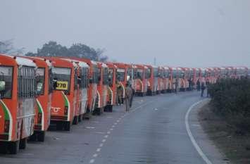 कुंभ मेला प्रशासन ने तोड़ा अबूधाबी का रिकॉर्ड, एक साथ एक रूट पर चलीं 500 बसें