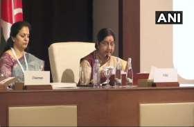 VIDEO: OIC की बैठक में सुषमा स्वराज , कहा- आतंकवाद के खिलाफ भारत की लड़ाई