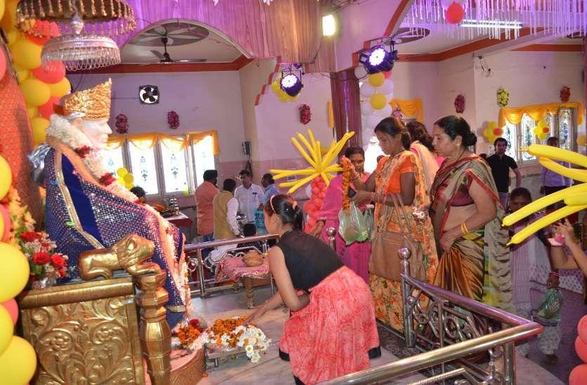Organizing Bhandara in Sai Baba Temple katni