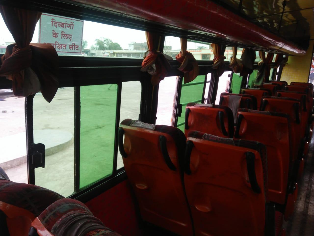 परिवहन विभाग ने बस स्टेण्ड और बसों में चस्पा करवाएं निर्देश