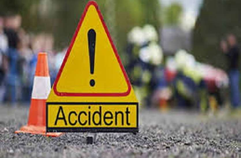 सड़क हादसे में एक व्यक्ति सहित तीन गायों की मौत