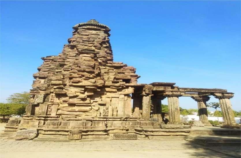 यहां एक रात में बना था यह शिव मंदिर, एक साथ होते हैं एक हजार शिवलिंग के दर्शन