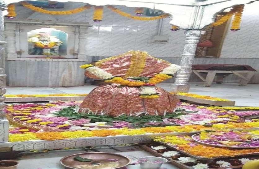 महाशिवरात्रि: शिव मंदिरों में उमड़ें भक्त, दिन भर चला शिव मंदिरों में जलाभिषेक व धार्मिक आयोजन