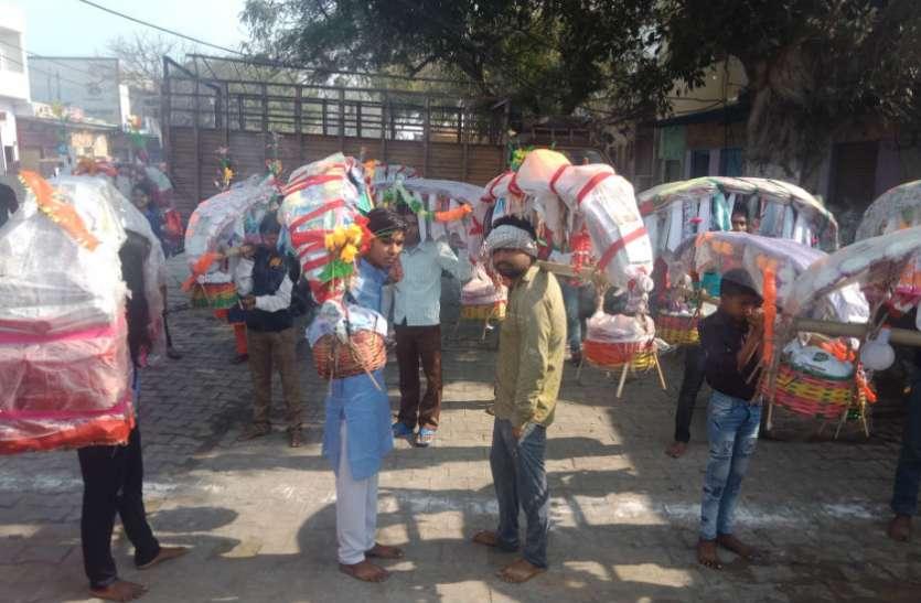 शिव मंदिरों पर कुछ इस तरह उमड़ी कांवड़ियों की फौज, देखें वीडियो