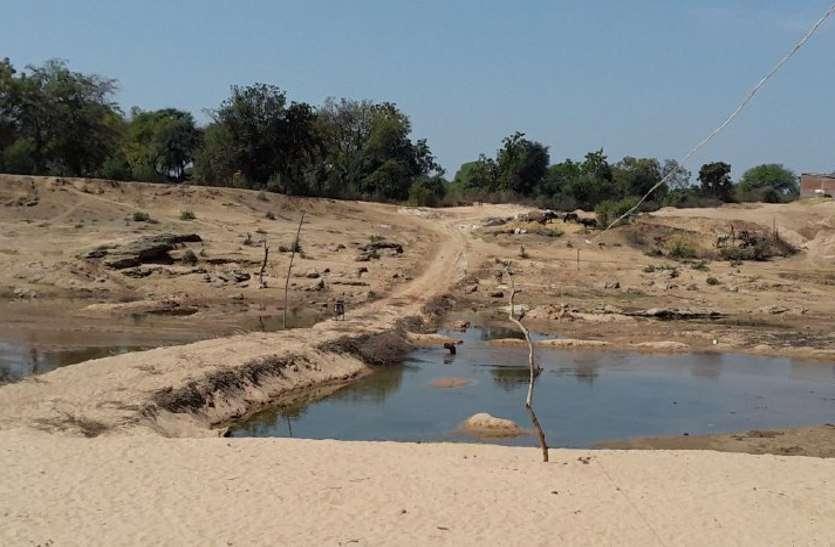 छत्तीसगढ़ में बढ़ा अवैध उत्खनन, पडोसी राज्य ओडिशा, तेलंगाना व आंध्रा में पहुंच रही है रेत