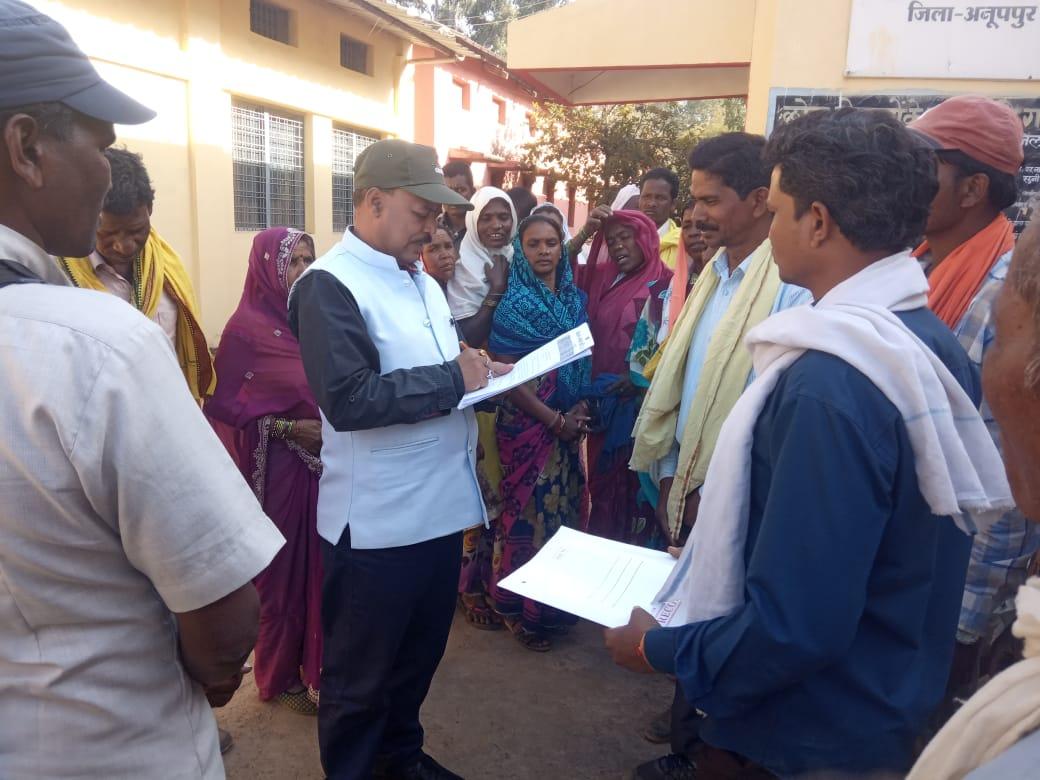 अवैध खनन और क्रेशर के संचालन के विरोध में गोंगपा ने सौंपा ज्ञापन, 15 दिनोंं के बाद आंदोलन की दी चेतावनी