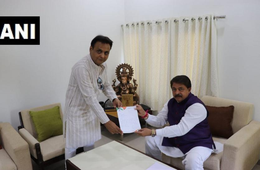 गुजरात: कांग्रेस विधायक जवाहर चावड़ा का इस्तीफा, भाजपा में शामिल होने के संकेत
