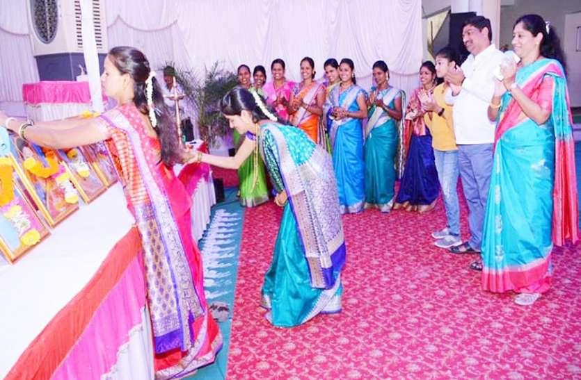 पारंपरिक खेलों के साथ तारपा नृत्य कर मनाया उत्सव