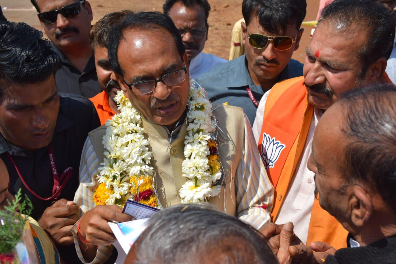 चुनावी चिढ़ में प्रधानमंत्री को अपशब्द कह रहे हैं कांग्रेस