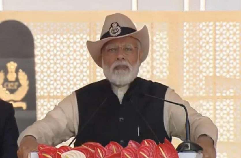 PM मोदी बोले-आतंक को पाल रहे पाकिस्तान में भारत से युद्ध लड़ने की नहीं है क्षमता