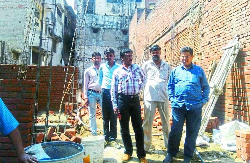 इंजीनियर करोड़ों रुपए की सरकारी जमीन पर बना रहा था मकान, एक शिकायत पर मिनटों में धराशाई हो गई हेकड़ी, ऐसे मामलों की यहां करें शिकायत