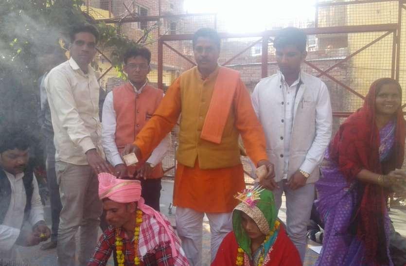 तीन तलाक पीड़िता ने हिन्दू धर्म अपनाकर मंदिर में की शादी