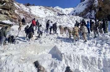 Photos: हिमाचल में अभी भी जारी है लापता जवानों के लिए सर्च ऑपरेशन, अब तक 4 के शव बरामद