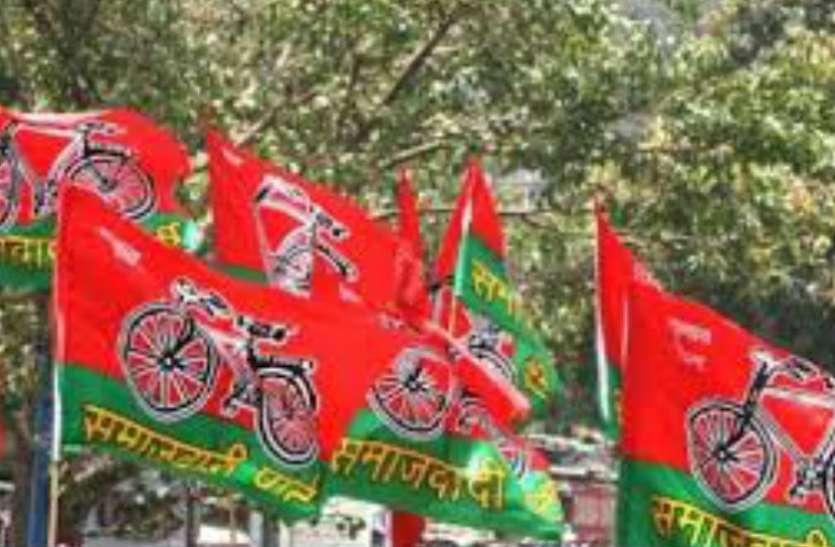 फिरोजाबाद में चुनाव लड़ने के लिए आखिर क्यों सैफई परिवार से आता है प्रत्याशी, भाजपा के इस नेता ने किया खुलासा, देखें वीडियो