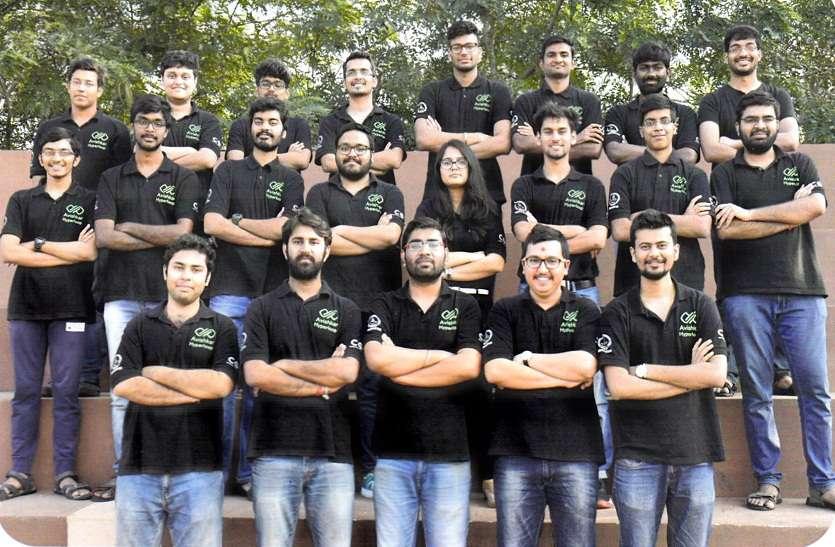 अंतरराष्ट्रीय हाइपरलूप पोड प्रतियोगिता में आईआईटी मद्रास की टीम