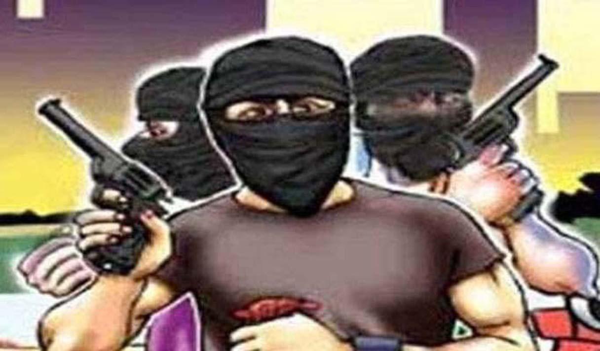 लाखों की लूट के बदमाशों का नहीं सुराग, हवा में हाथ-पैर मार रही पुलिस