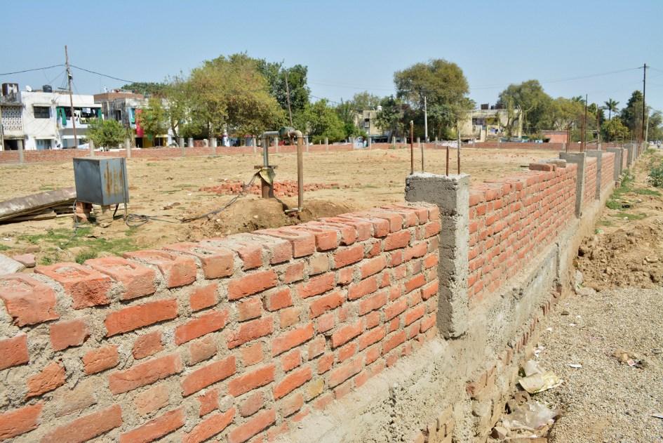 लाखों रुपए खर्च फिर भी पार्क का निर्माण अधूरा