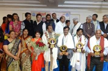 उत्तर प्रदेश सरकार द्वारा चार महत्वपूर्ण दायित्व दिए जाने पर लीडर्स आगरा ने किया इनका अभिनंदन