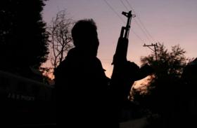 कश्मीर: अवंतीपोरा में आतंकियों ने युवक को बनाया निशाना, गोली मारकर हत्या