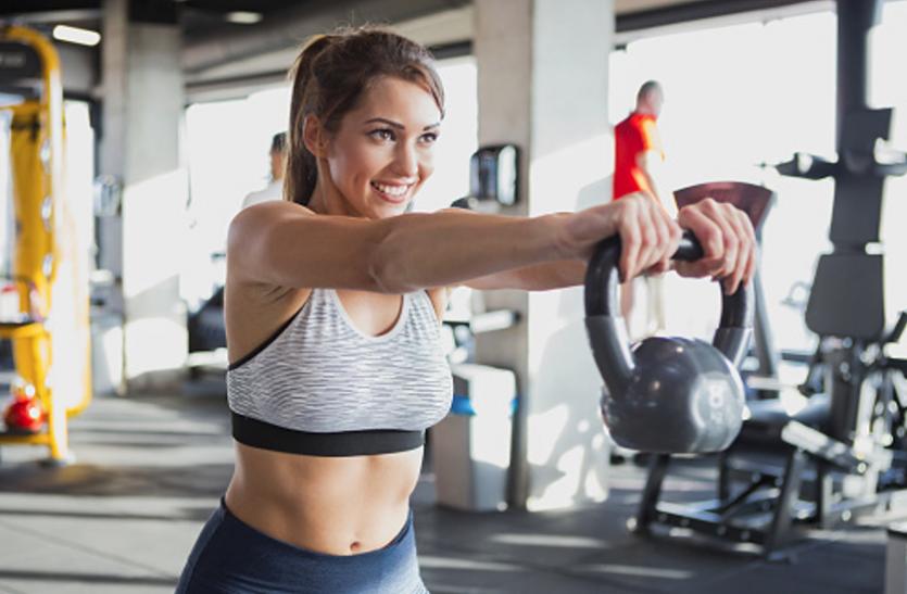 weight loss - केटलबेल ट्रेनिंग से 20 मिनट में बर्न करें 400 कैलोरी