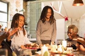 रिसर्च स्टाेरी - माेटापे से बचने के लिए परिवार के साथ खाएं टीनएजर्स