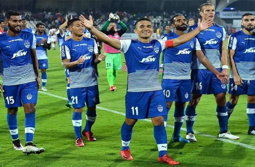 ISL: फाइनल में गोवा का मुकाबला बेंगलुरु से, जानें कौन खिताबी भिड़ंत में मार सकता है बाजी