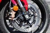 बगैर ABS की बाइक चलाने से होते हैं ये नुकसान, हो सकता है एक्सीडेंट