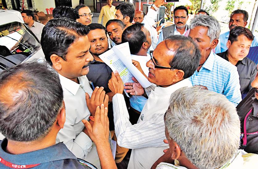 भाजपा में खुलकर सामने आए दावेदार, दफ्तर से बंगलों तक नेताओं का जमघट