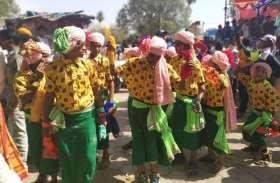 मांडू की वादियों में छाया भगोरिया लोक संस्कृति का रंग