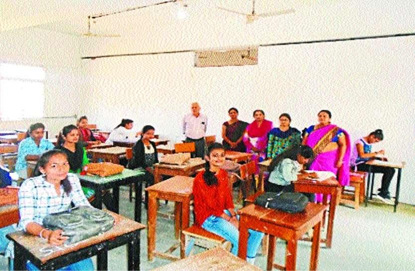 Election 2019 Madhya Pradesh मतदान के लिए ली शपथ एवं लगाई बूथ दौड़