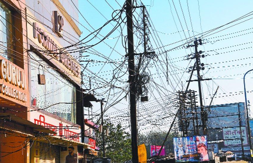 हादसे रोकने के लिए इस शहर में अब ऊंचे होंगे बिजली के तार