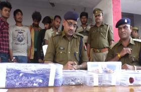 पुलिस ने चोरी के सामान सहित 7 अंतरराज्यीय चोरों को किया गिरफ्तार, देखें वीडियो