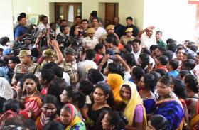 बीजेडी में आई किन्नर नेता मीरा परीडा की ओडिशा की इस सीट से चुनाव लड़ने की चर्चा