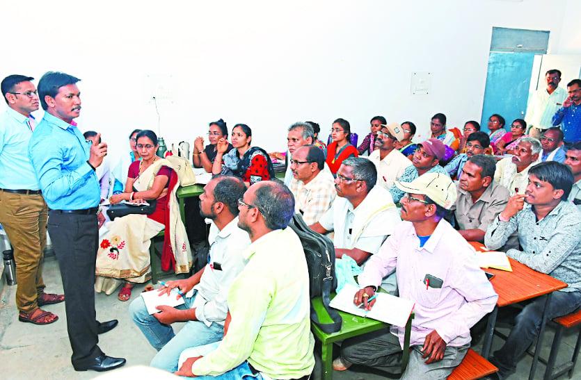 लोकसभा चुनाव: मतदान दलों को अंतागढ़ मेंं दिया गया प्रशिक्षण